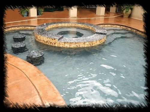 Turn Your Pool Into Paradise ⋆ With Custom Features ⋆